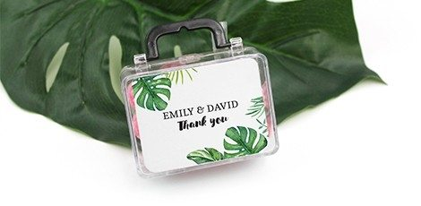 travellers-suitcase-wedding-favour