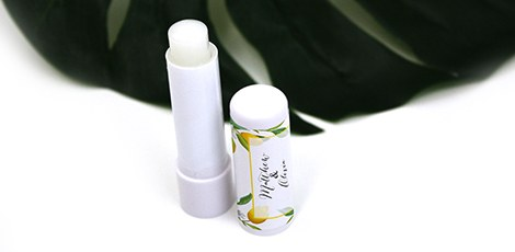 lip-balm-favour-wedding-party