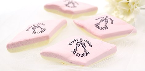 printed-marshmallows-wedding-favours