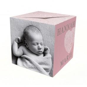 Roze Doodle Out of the Box Geboortekaart