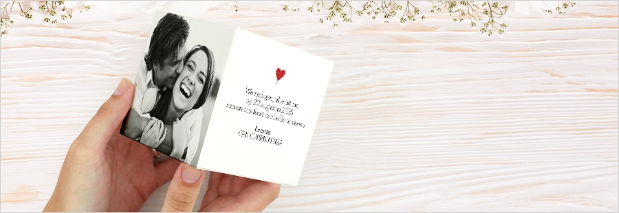 springkubus-met-confetti-trouwen-buitenland