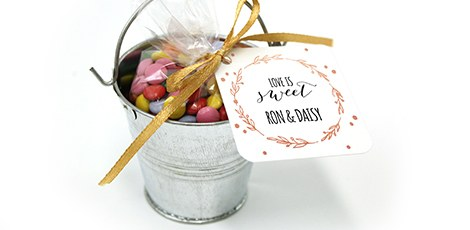 mini-candy-pail-wedding-favours