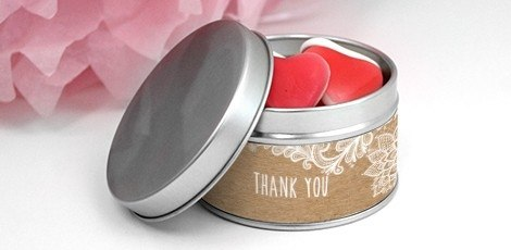 round-tin-favour-tin-with-personalised-label