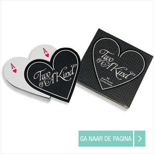 wedding favour heart-shaped playing cards